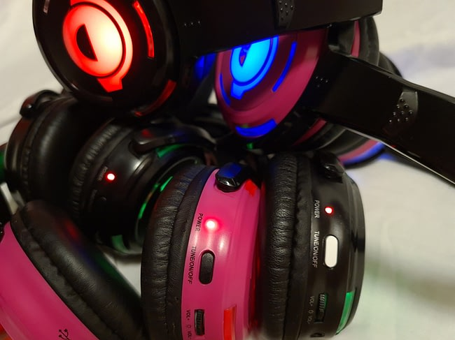 How to the adjust the silent disco headphone Volume